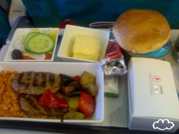 各國飛機餐點PK!10