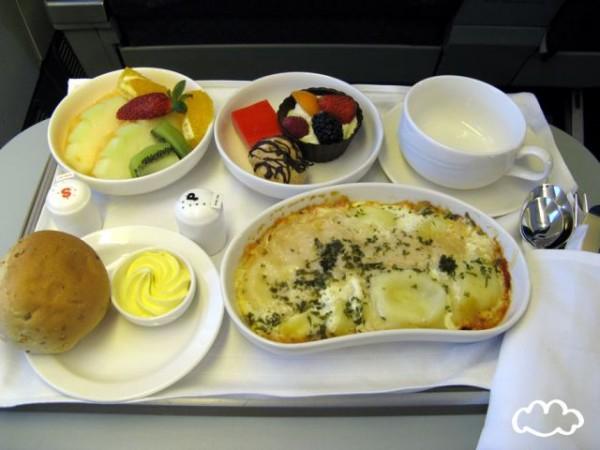 各國飛機餐點PK!11