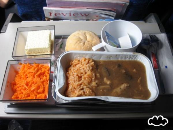 各國飛機餐點PK!14