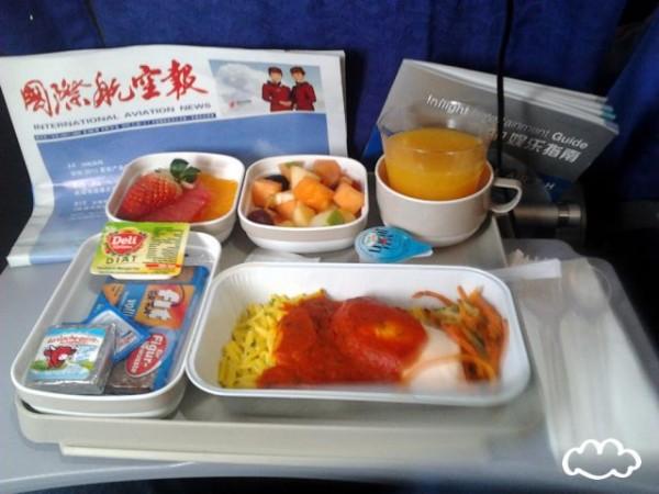 各國飛機餐點PK!3