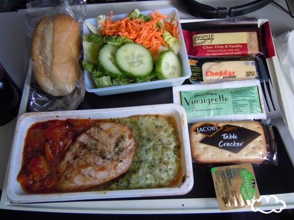各國飛機餐點PK!5
