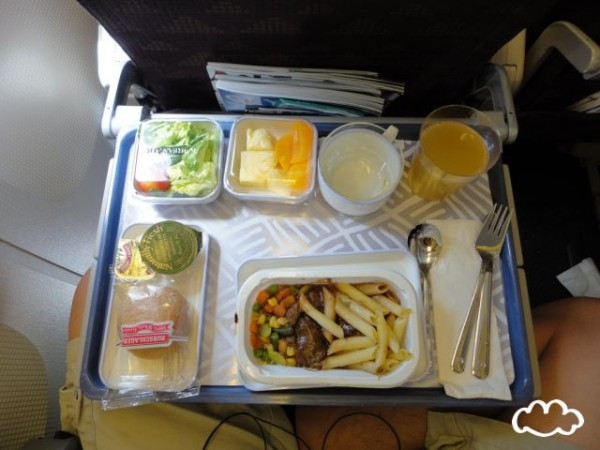 各國飛機餐點PK!9