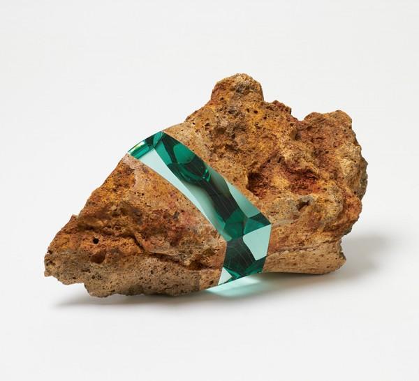 石頭裡插入一層玻璃...難以言喻的美麗1