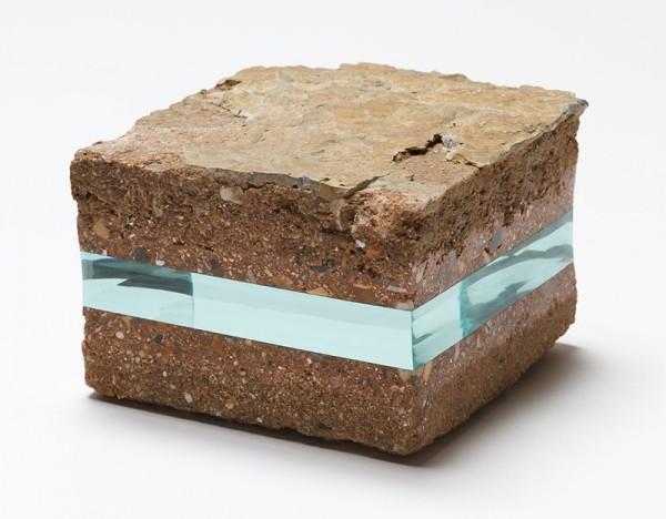 石頭裡插入一層玻璃...難以言喻的美麗3
