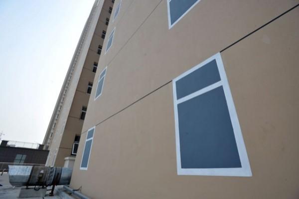 這哪招?中國建商的大樓窗戶用畫的5