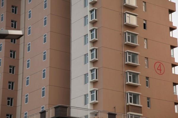 這哪招?中國建商的大樓窗戶用畫的6