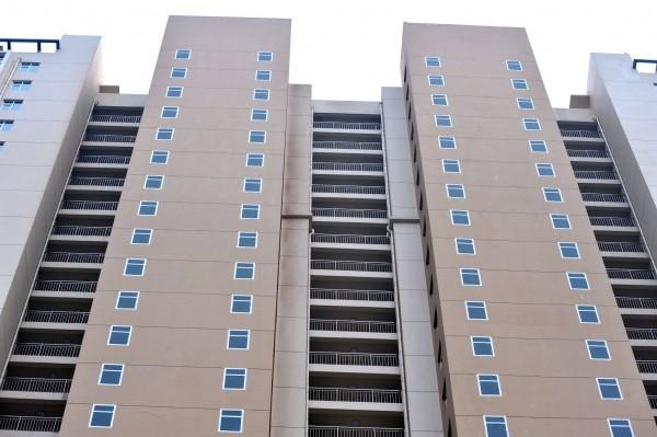 這哪招?中國建商的大樓窗戶用畫的8