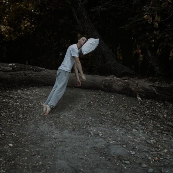 21歲夢幻少年的超現實攝影作品3