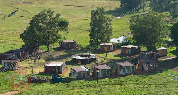 世界怎麼了?南非出現給有錢人看爽的貧民窟2