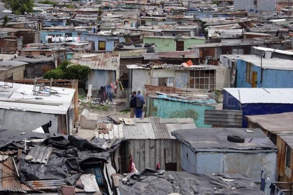 世界怎麼了?南非出現給有錢人看爽的貧民窟6