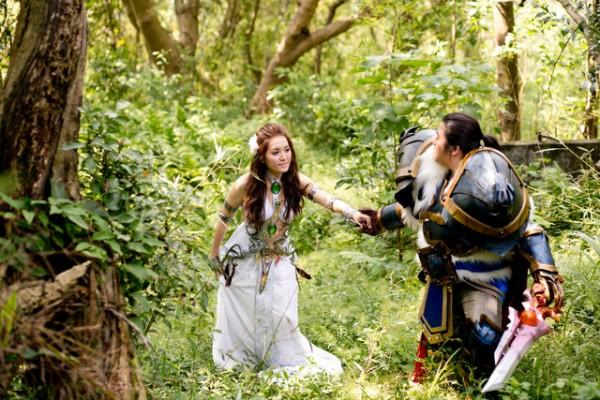 兩人並肩砍怪!魔獸世界婚紗照4
