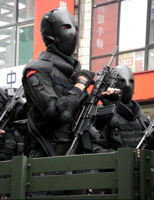 外國人看台灣的鐵面人部隊4