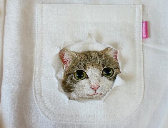 母愛限定!日本媽媽應兒子要求織了口袋裝貓咪的襯衫6