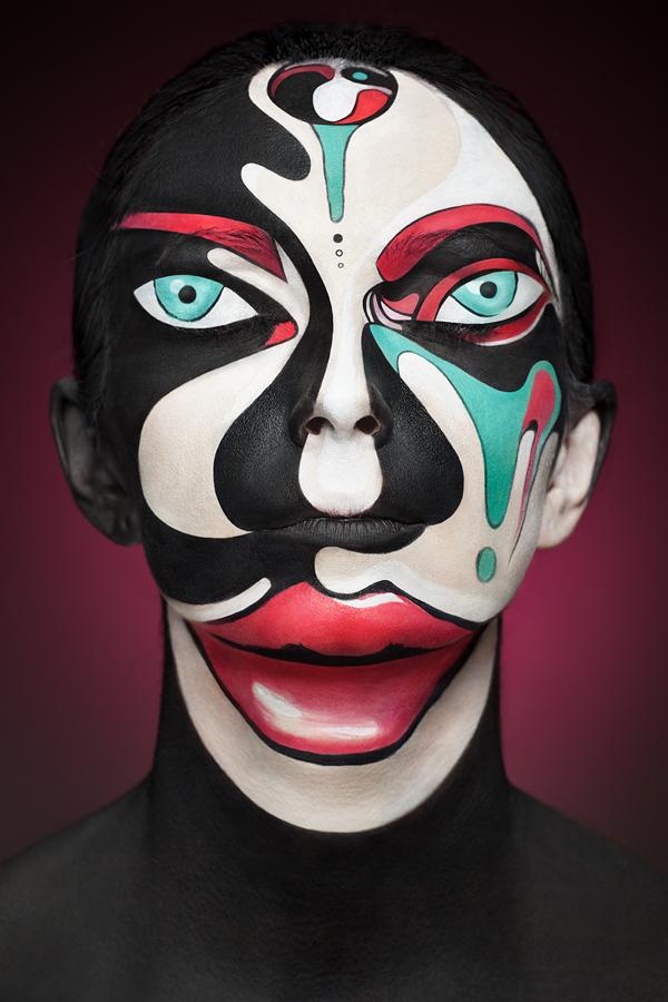 超強化妝術!把人類的臉變成2D平面1