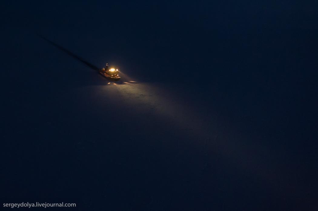 距離目標只剩∞!北極夜晚的破冰船1