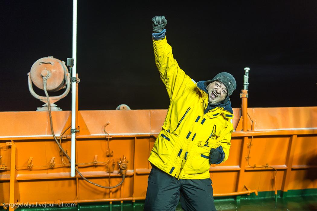 距離目標只剩∞!北極夜晚的破冰船10