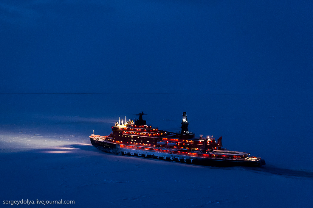 距離目標只剩∞!北極夜晚的破冰船12