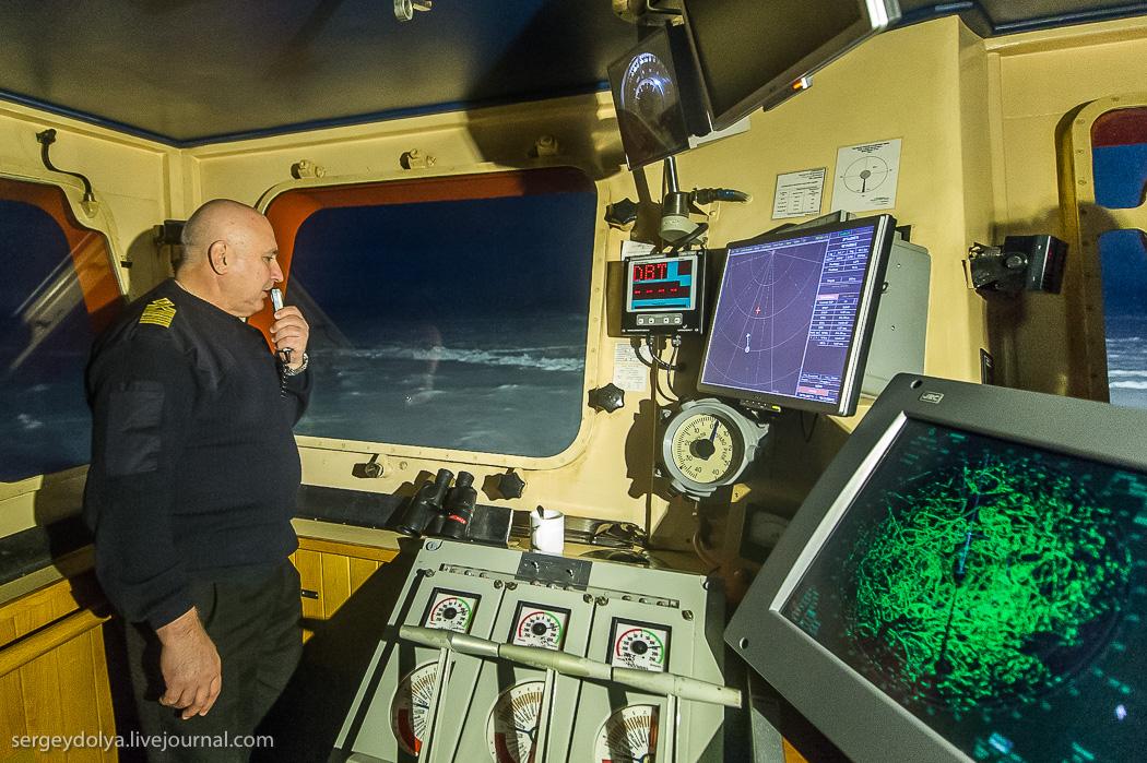 距離目標只剩∞!北極夜晚的破冰船6