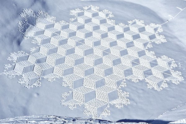 他走過的路會留下美麗的雪花痕跡!16