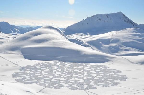他走過的路會留下美麗的雪花痕跡!8