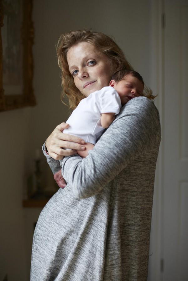 媽媽和新生一天大寶寶合照,只有感動1
