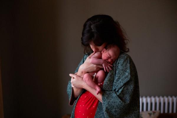 媽媽和新生一天大寶寶合照,只有感動2