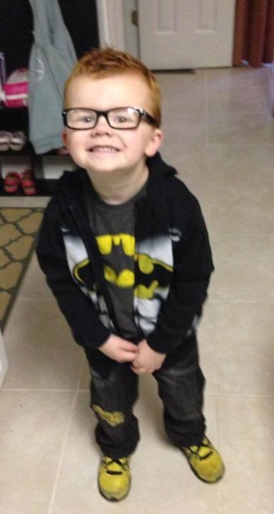 小孩戴眼鏡怕醜,臉書上萬人一起安慰他!15