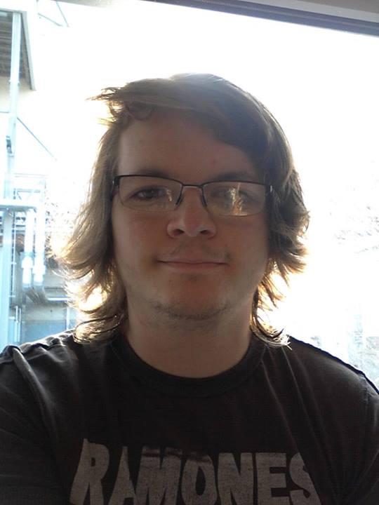 小孩戴眼鏡怕醜,臉書上萬人一起安慰他!4