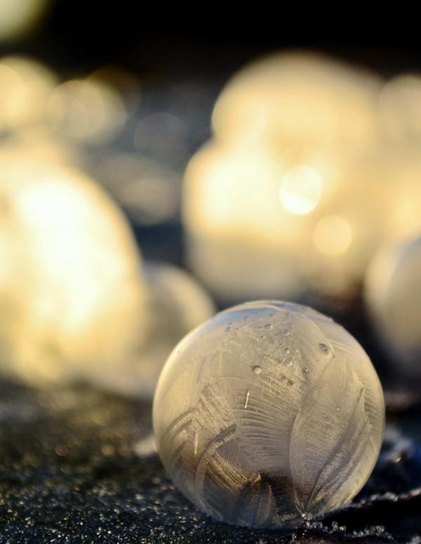 -9℃吹出的結冰泡泡是世界上短暫的美麗9