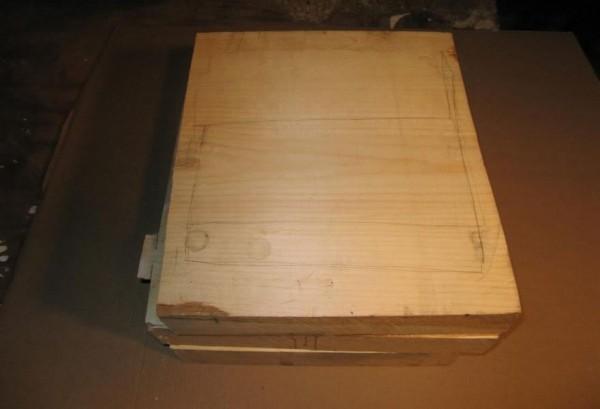 一整箱的紙鈔2