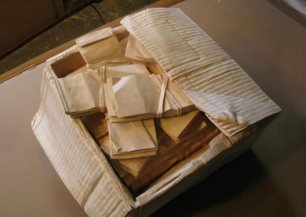 一整箱的紙鈔7