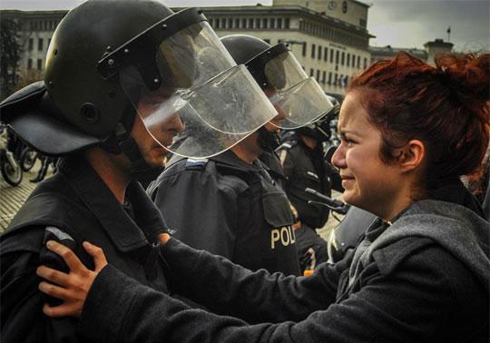 和平代替暴力18