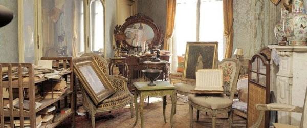 富家女1942年逃離這棟房子,如今發現房內很有事