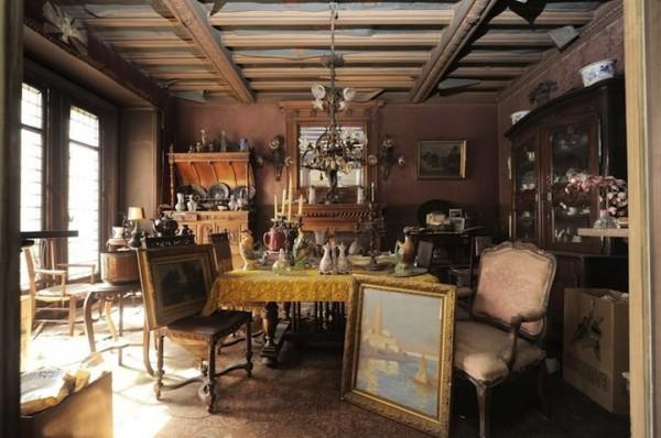 富家女1942年逃離這棟房子,如今發現房內很有事5