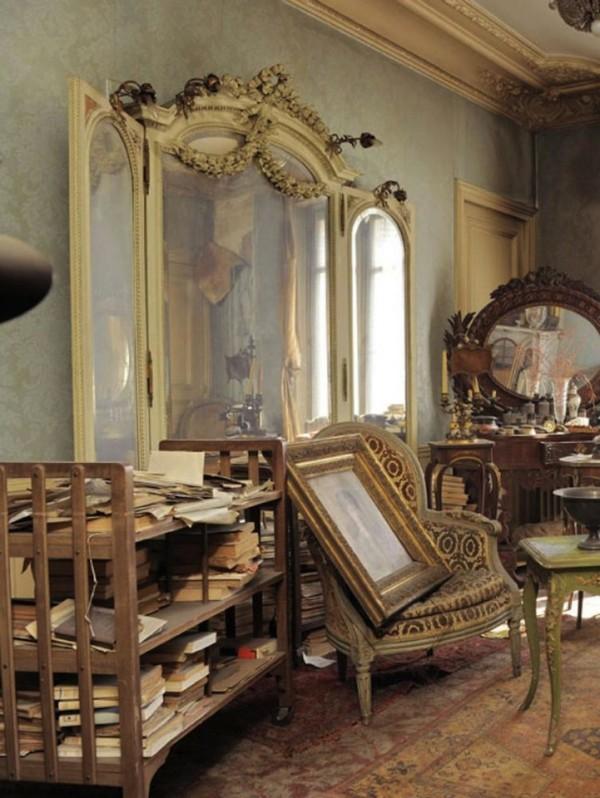 富家女1942年逃離這棟房子,如今發現房內很有事7