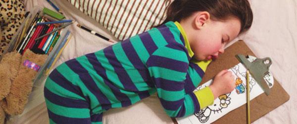 整天失眠?請看這個小女孩的入睡妙招