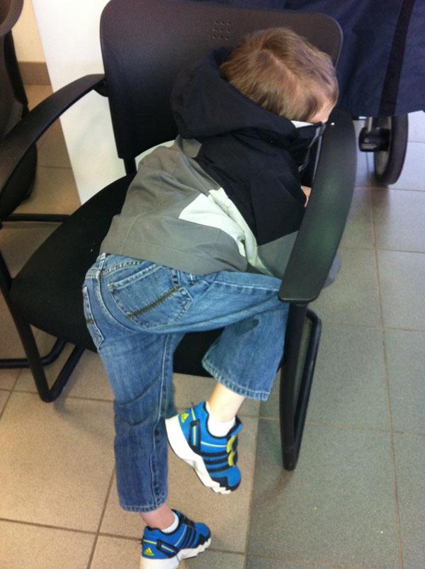 睡神降世!兒子在各種意想不到的地方睡著3