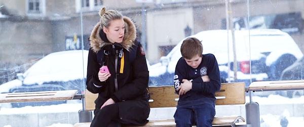 當路人看到冷到發抖的男孩,會發生什麼事?