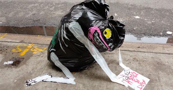 藝術家大肆改造路邊垃圾,只為得到你的微笑