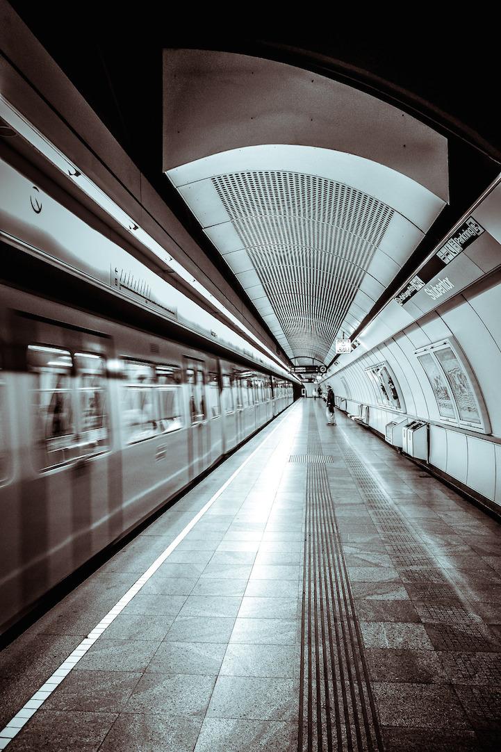 對稱捷運8