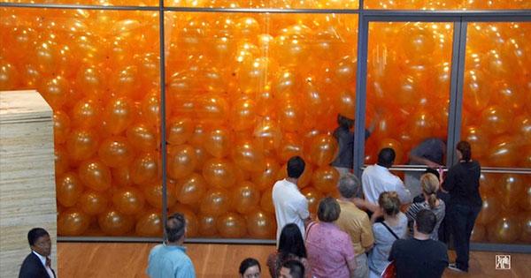 50個人走進裝滿氣球的房間後,學到了一件重要的事
