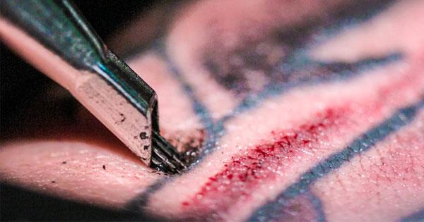 超慢動作+近距離!刺青顏料進入身體的過程