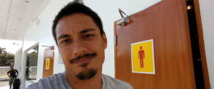 加油站廁所