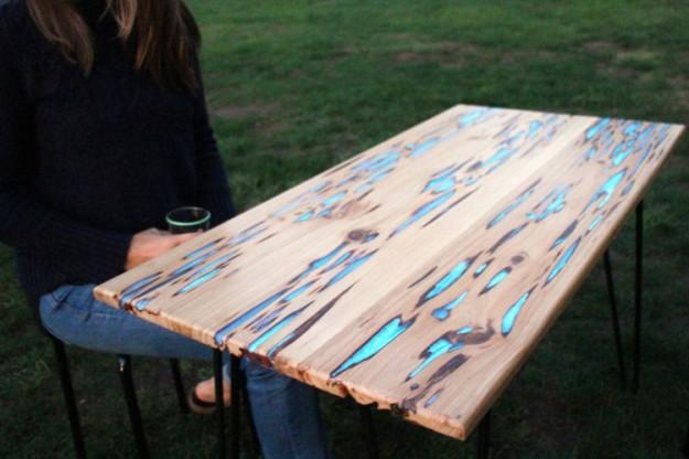 螢光木桌1
