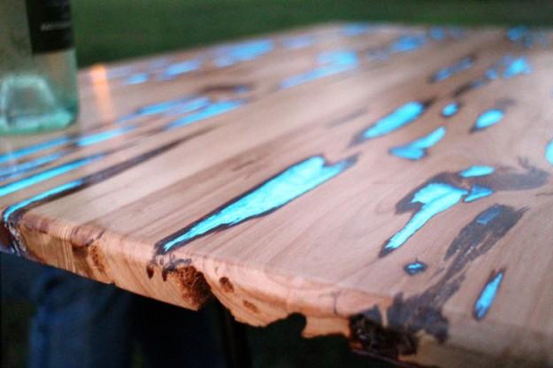 螢光木桌2