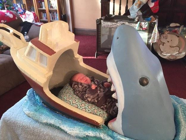 大白鯊嬰兒床2