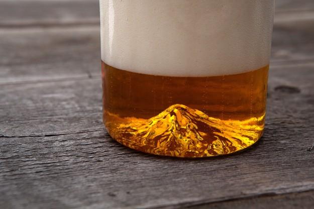 山脈酒杯1