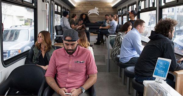 """沒有BRT沒關係,但請把這輛""""咖啡廳公車""""引進台灣吧"""